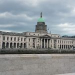 Trinity College Dublin Ierland The Custom House River Liffey