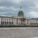 Trinity College Dublin Ierland The Custom House River Liffey