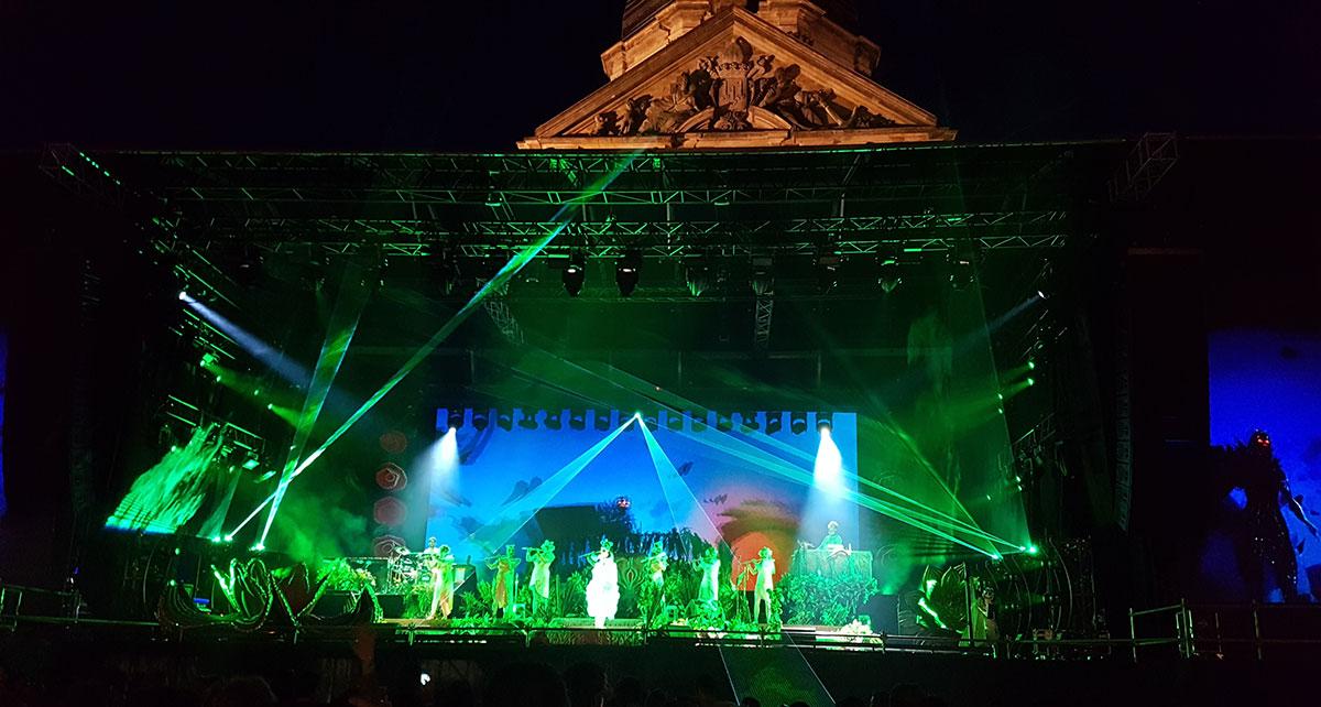 Björk in Gent Sint-Pietersplein Utopia lasers
